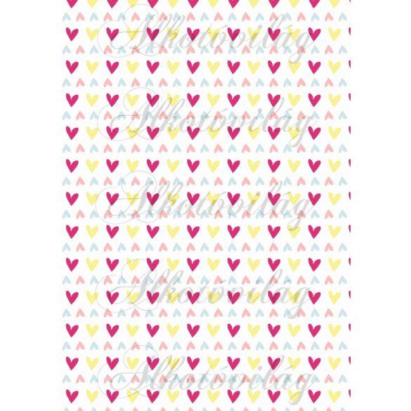 Apró színes szívek