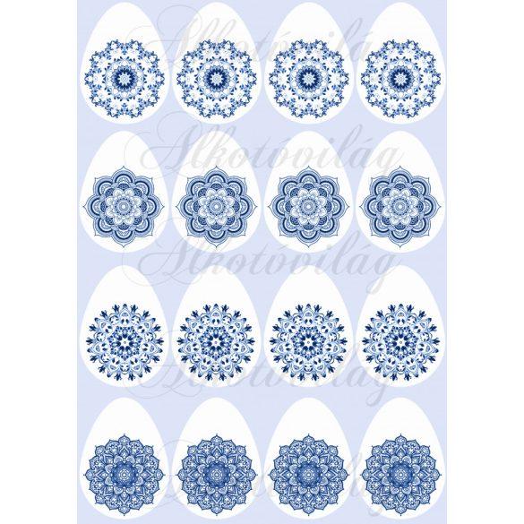 Fehér tojások gyönyörű kék mintákkal